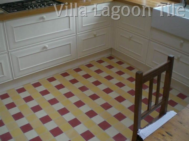 Kitchen floor made from solid color tiles
