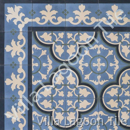 Roseton with matching border tiles.