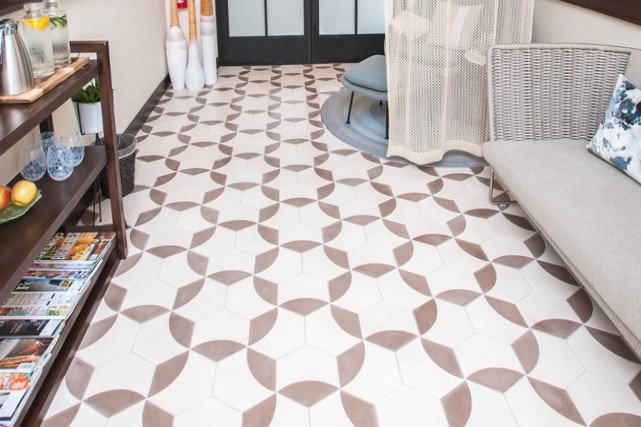 A coastal, beachy residential entry, from Villa Lagoon Tile.
